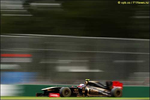 Виталий Петров на трассе Гран При Австралии
