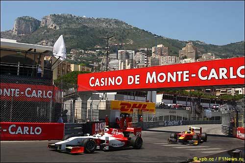 Давиде Вальсекки на трассе в Монако