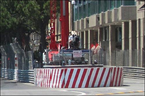 Барьер безопасности после выезда из тоннеля в Монако