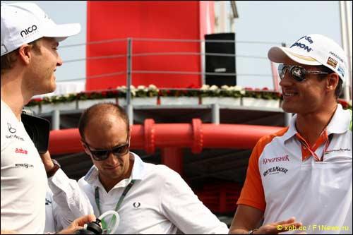Нико Росберг и Адриан Сутил на параде пилотов перед стартом Гран При