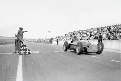 Победный финиш Хуана-Мануэля Фанхио на Гран При Франции 1950 года в Реймсе
