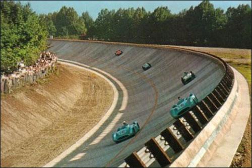 Гран При Италии 1955 года: Фанхио и Мосс сражаются за лидерство, следом - Таруффи, Клинг и Кастеллотти