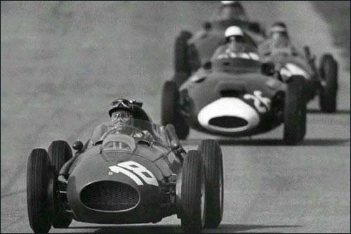 Фил Хилл лидирует в дебюте Гран При Италии 1958 года