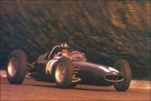 Победитель Гран При Италии 1962 года Грэм Хилл
