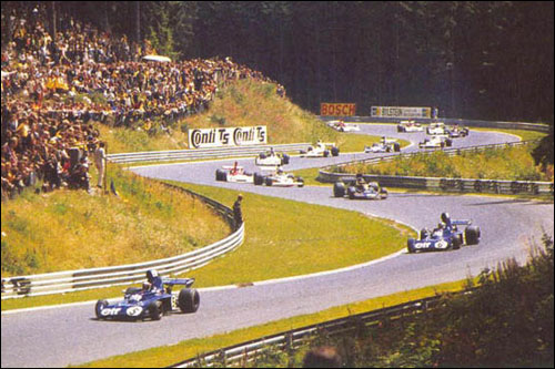 Пилоты Tyrrell Джеки Стюарт и Франсуа Север лидируют в дебюте Гран При Германии 1973 года