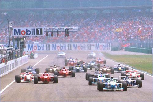 Герхард Бергер лидирует на старте Гран При Германии 1996 года