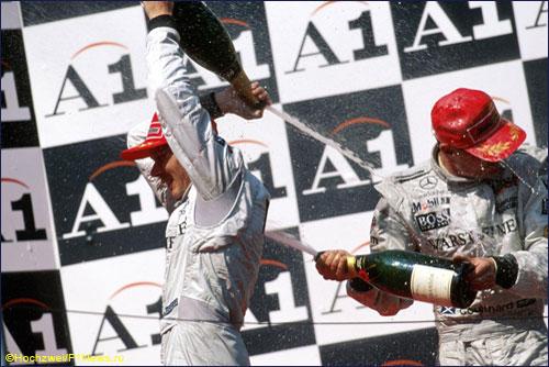 Мика Хаккинен и Дэвид Култхард на подиуме Гран При Австрии 1998 года