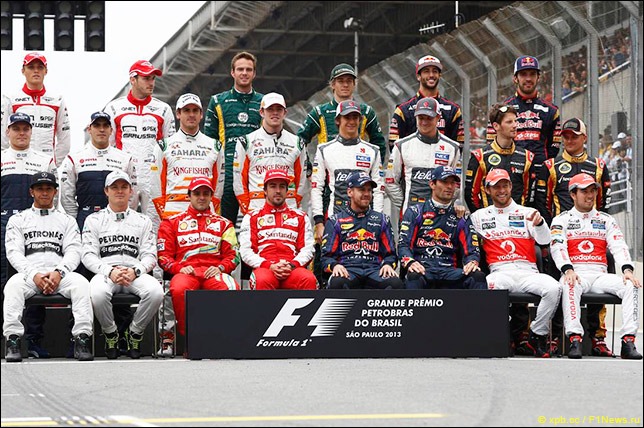 Групповая фотография гонщиков на финальном Гран При сезона
