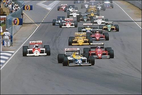 Нельсон Пике лидирует на старте Гран При Австралии 1987 года