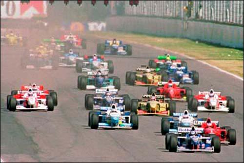 Деймон Хилл лидирует на старте Гран При Аргентины 1996 года