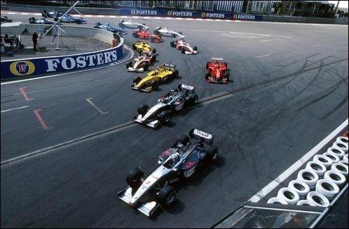 Дэвид Култхард лидирует на старте Гран При Бельгии 1999 года