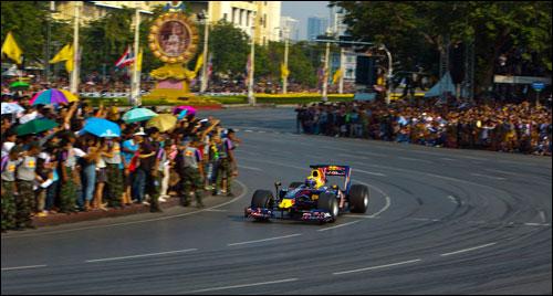 Марк Уэббер на шоу Red Bull в Бангкоке (2010 год)