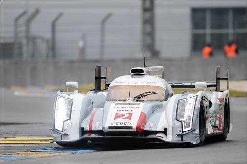 Лоик Дюваль на Audi R18 e-tron quattro на тестах в Ле-Мане