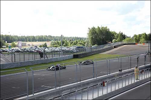 Начало свободных заездов Формулы Renault 2.0