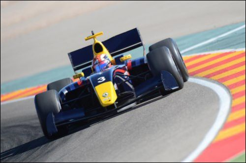 Рафаэле Марчьелло на машине Arden Caterham в финальный день тестов