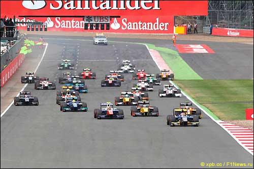 Старт Гран При Великобритании 2014