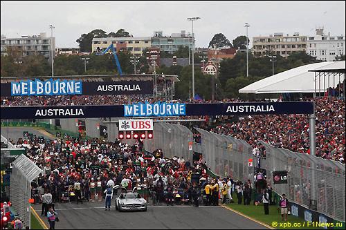 Предстартовая суета, Гран При Австралии 2013 года