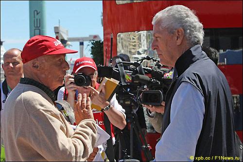 Ники Лауда и президент Pirelli Марио Тронкетти Провера (справа)