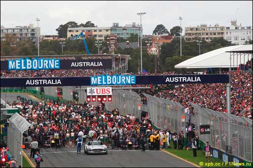 Старт Гран При Австралии 2013