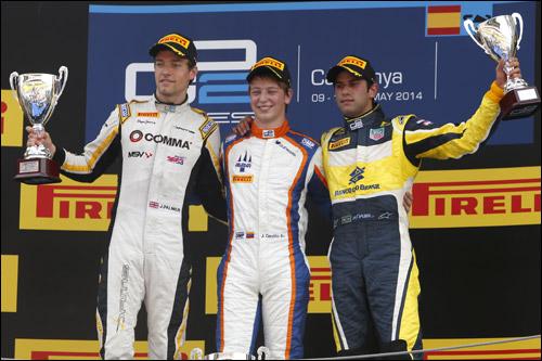 Подиум первой гонки в Барселоне: Палмер, Чекотто, Наср
