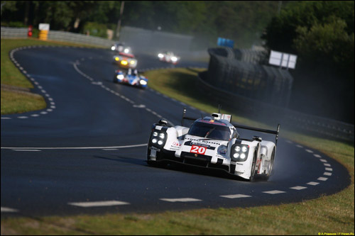 Машина Porsche №20 в Ле-Мане