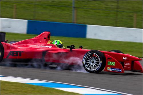 Лукас ди Грасси на тестах Формулы E