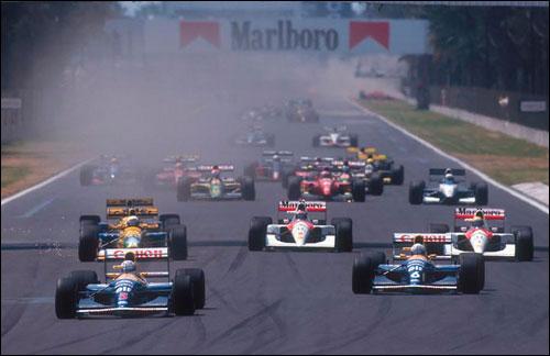 Пилоты Williams Найджел Мэнсел и Риккардо Патрезе лидируют на старте Гран При Мексики 1992 года