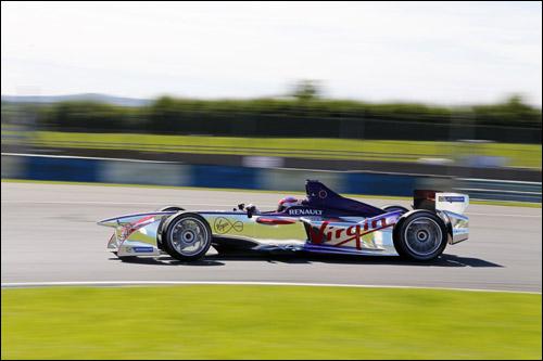 Машина Формула E команды Virgin