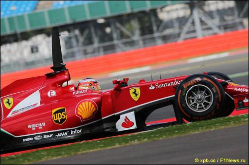 Жюль Бьянки за рулём Ferrari на тестах в Сильверстоуне