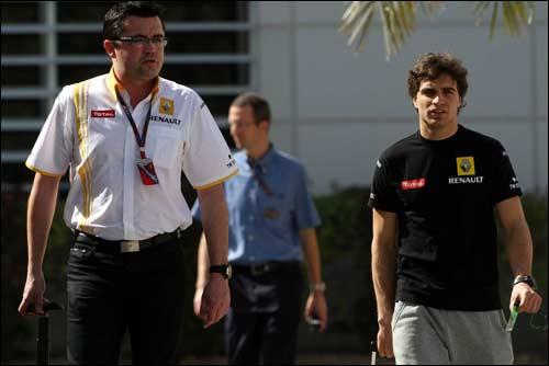 Жером Д'Амброзио - давний протеже Эрика Булье (слева). Снимок сделан на Гран При Бахрейна 2010 года