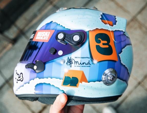 Даниэль Риккардо представил свой новый шлем