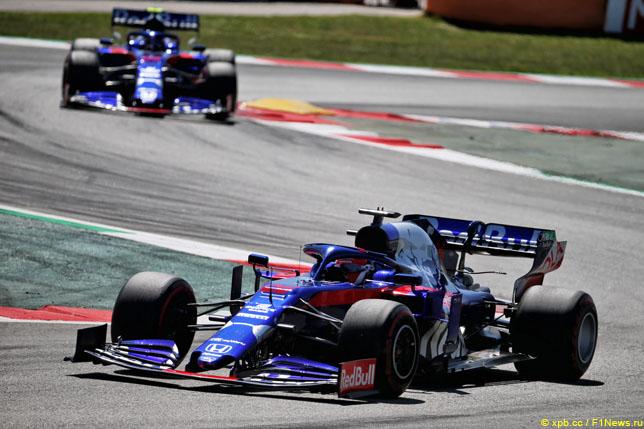 Русский гонщик «Формулы-1» Даниил Квят вошел в 10-ку наГран-при Испании
