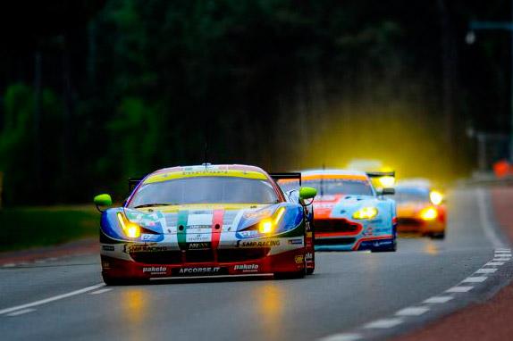 Машины категории GT в Ле-Мане