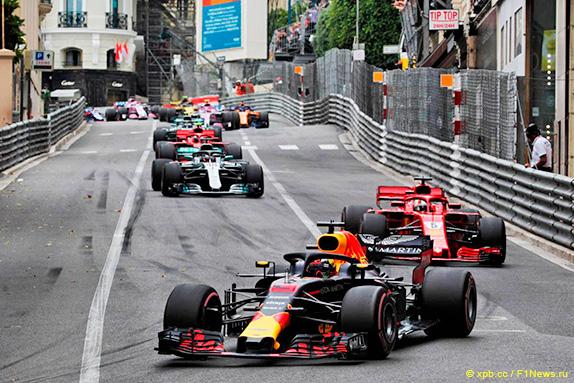 Риккардо лидирует на Гран При Монако