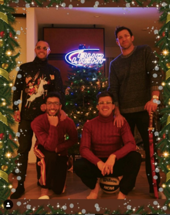 Риккардо отметил Рождество в компании бойцов UFC