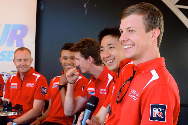 Марк Шульжицкий со своими напарниками по команде Nissan