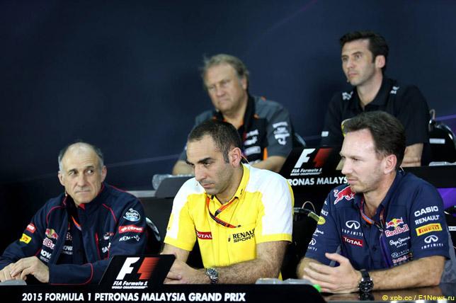 Франц Тост, Сирил Абитебул и Кристиан Хорнер на пресс-конференции FIA в Малайзии