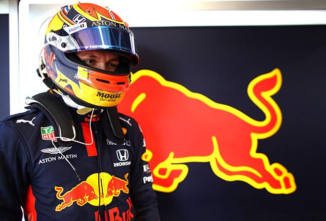 Александер Элбон, фото пресс-службы Red Bull Racing