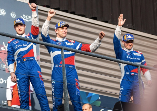 Стоффель Вандорн, Виталий Петров и Михаил Алёшин на подиуме в Спа, фото SMP Racing