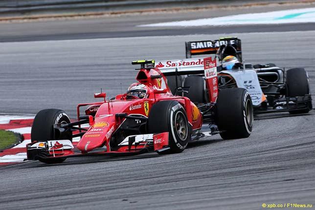 Кими Райкконен ведёт борьбу на трассе Гран При Малайзии