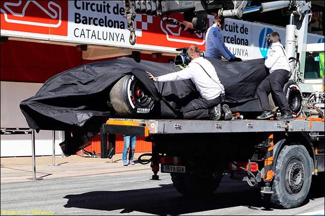 Машина Фернандо Алонсо после аварии
