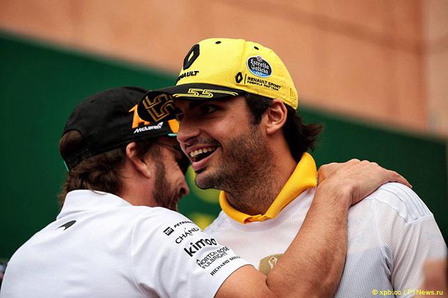 Карлос Сайнс (справа) и Фернандо Алонсо