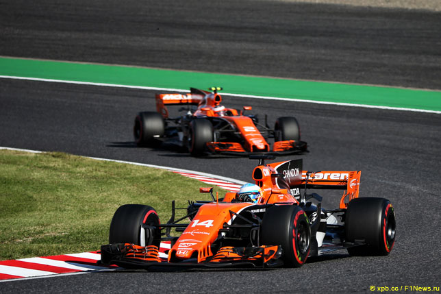 Фернандо Алонсо и Стоффель Вандорн на прошлогоднем Гран При Японии