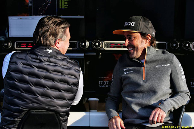 Зак Браун, исполнительный директор McLaren Racing, и Фернандо Алонсо