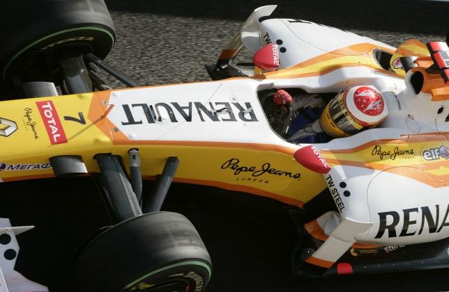 Последней гонкой, которую Фернандо Алонсо провёл за Renault, был Гран При Абу-Даби 2009 года