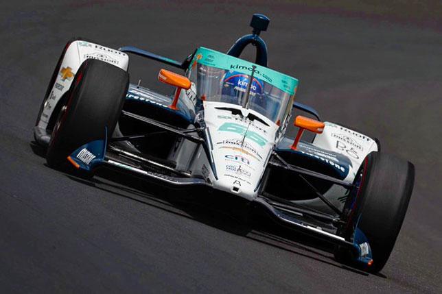 Фернандо Алонсо за рулём машины Arrow McLaren SP в Индианаполисе