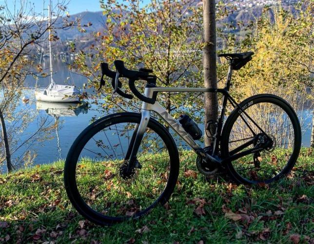 Велосипед Фернандо Алонсо, фото из Instagram гонщика