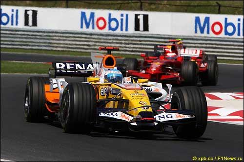 Фернандо Алонсо на трассе Гран При Венгрии