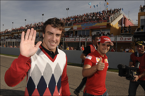 Фернандо Алонсо и Фелипе Масса на празднике Ferrari в Валенсии