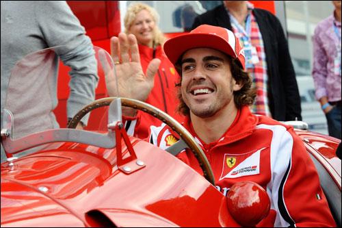 Фернандо Алонсо за рклем Ferrari 375